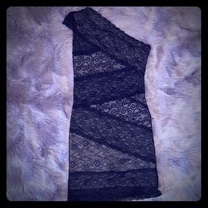 Black lace bodycon style one shoulder dress